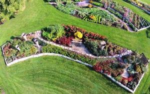 The Noelridge Park Gardens was a collaboration of the local parks department, Goodwill and the Friends of Noelridge. (Image courtesy of All-America Selections).