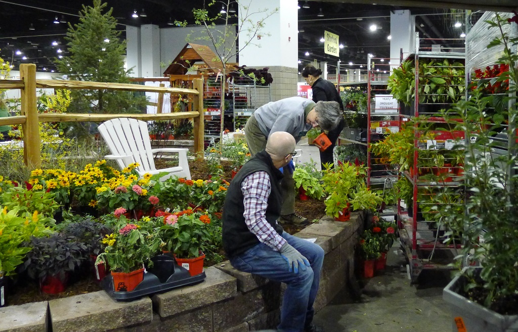 Master Gardeners Put Their Heads Together To Make Sure The Garden Plan  Comes Together. Mike